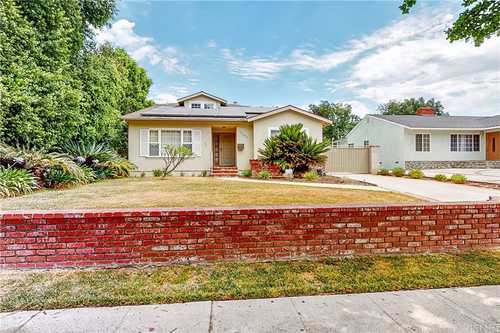 $950,000 - 4Br/3Ba -  for Sale in Granada Hills