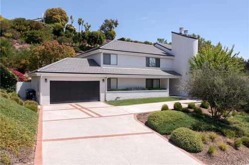 $2,875,000 - 4Br/3Ba -  for Sale in Malibu