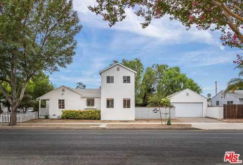 $820,000 - 4Br/2Ba -  for Sale in Lake Balboa