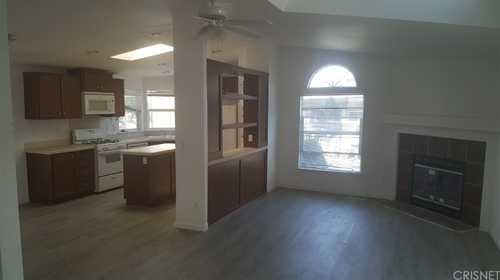 $215,000 - 2Br/2Ba -  for Sale in Northridge