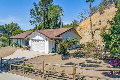 $875,000 - 3Br/2Ba -  for Sale in Granada Hills