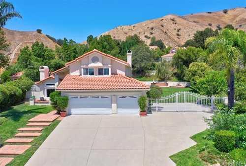 $1,175,000 - 4Br/3Ba -  for Sale in Granada Hills