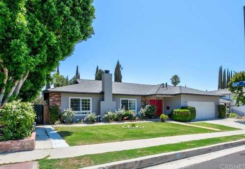 $949,950 - 4Br/3Ba -  for Sale in Granada Hills