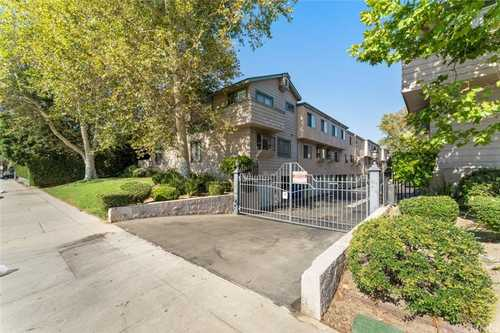 $573,900 - 3Br/3Ba -  for Sale in Canoga Park