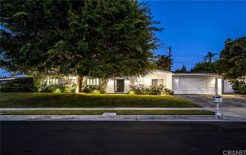 $1,550,000 - 5Br/3Ba -  for Sale in Woodland Hills