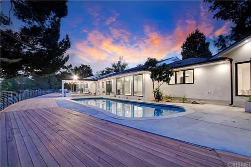 $4,500,000 - 6Br/8Ba -  for Sale in Tarzana
