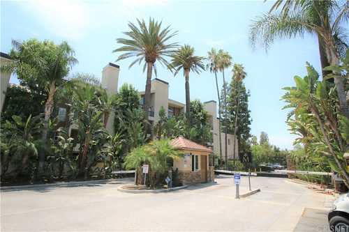 $499,000 - 2Br/2Ba -  for Sale in Woodland Hills