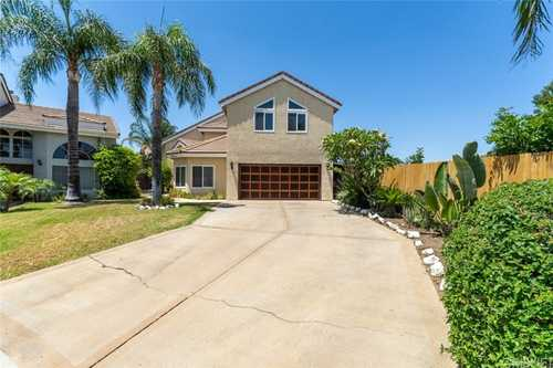 $900,000 - 4Br/3Ba -  for Sale in Canoga Park