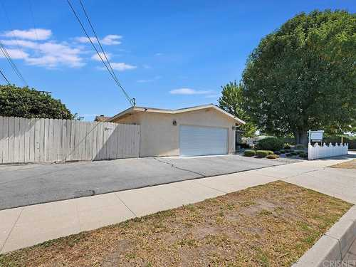 $735,000 - 3Br/2Ba -  for Sale in Chatsworth
