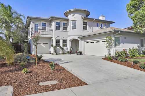 $985,000 - 4Br/3Ba -  for Sale in Brentwood