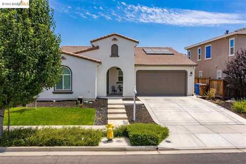 $799,900 - 3Br/3Ba -  for Sale in Garin Ranch, Brentwood