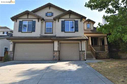 $849,900 - 5Br/4Ba -  for Sale in Shadow Lakes, Brentwood