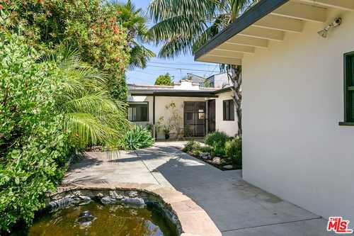 $1,100,000 - 2Br/2Ba -  for Sale in Los Angeles