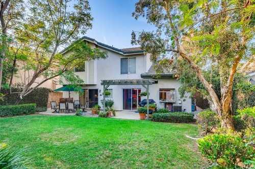 $1,599,000 - 4Br/4Ba -  for Sale in Encino