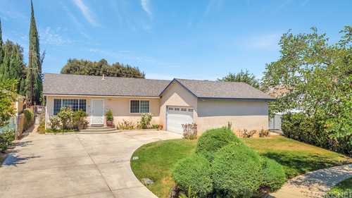 $705,000 - 3Br/2Ba -  for Sale in Canoga Park