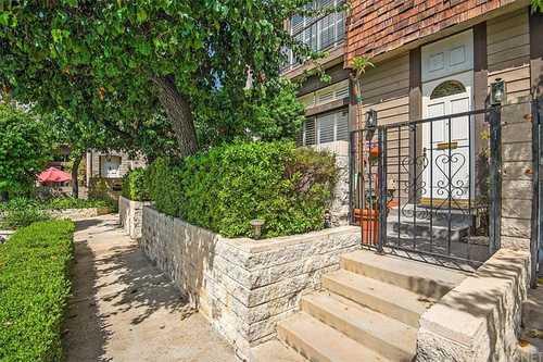 $750,000 - 2Br/3Ba -  for Sale in Sherman Oaks