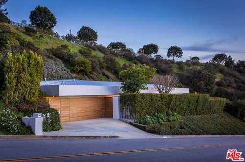 $7,999,000 - 4Br/4Ba -  for Sale in Beverly Hills