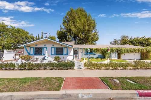 $859,000 - 4Br/3Ba -  for Sale in Chatsworth