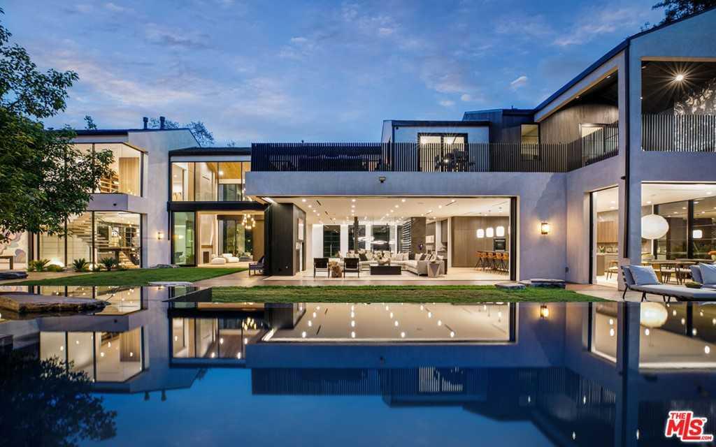 $26,000,000 - 9Br/13Ba -  for Sale in Encino