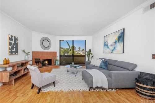 $673,000 - 2Br/2Ba -  for Sale in Sherman Oaks