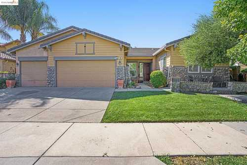 $850,000 - 4Br/3Ba -  for Sale in Campanello, Brentwood