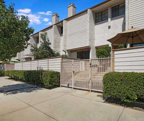 $580,000 - 3Br/3Ba -  for Sale in Chatsworth