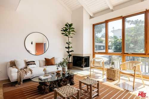$1,295,000 - 2Br/2Ba -  for Sale in Santa Monica