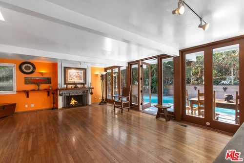 $1,500,000 - 2Br/2Ba -  for Sale in Beverly Hills