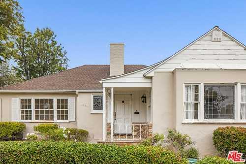 $2,850,000 - 2Br/2Ba -  for Sale in Santa Monica
