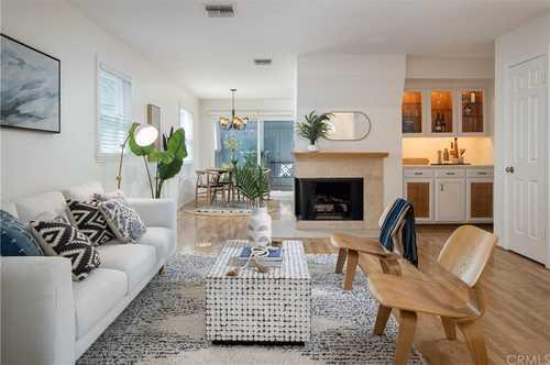 $1,228,000 - 2Br/3Ba -  for Sale in Santa Monica