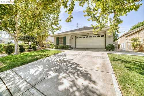 $569,900 - 2Br/2Ba -  for Sale in Summerset 1, Brentwood