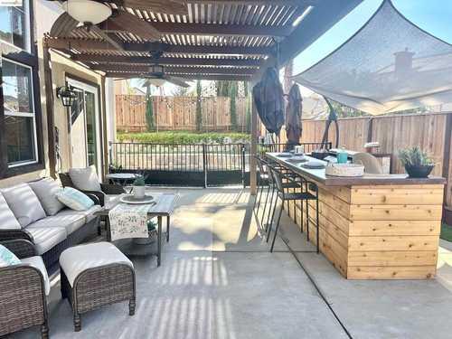 $979,000 - 4Br/4Ba -  for Sale in Deer Ridge, Brentwood
