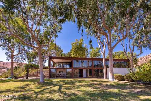 $1,800,000 - 3Br/4Ba -  for Sale in Custom - 4179, Bell Canyon