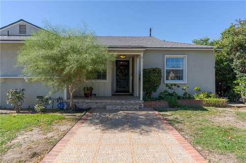 $789,000 - 3Br/2Ba -  for Sale in Lake Balboa