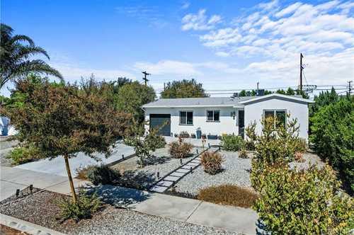 $899,900 - 4Br/3Ba -  for Sale in Lake Balboa