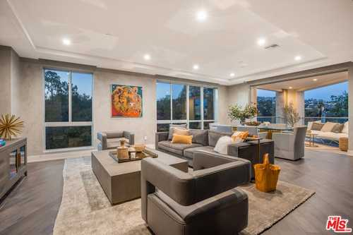 $3,695,000 - 3Br/4Ba -  for Sale in Beverly Hills