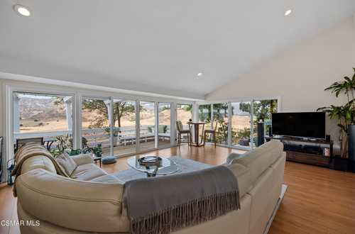 $1,050,000 - 3Br/3Ba -  for Sale in Other - Othr, West Hills