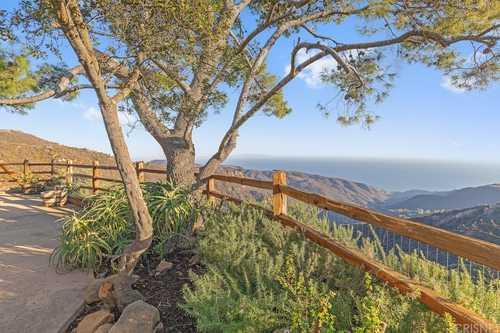 $2,400,000 - 3Br/2Ba -  for Sale in Malibu