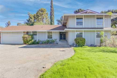 $1,275,000 - 5Br/3Ba -  for Sale in Granada Hills
