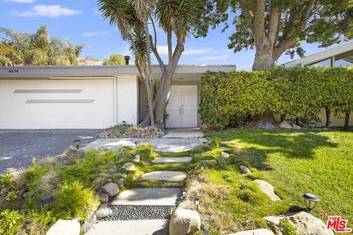 $1,999,999 - 4Br/3Ba -  for Sale in Malibu
