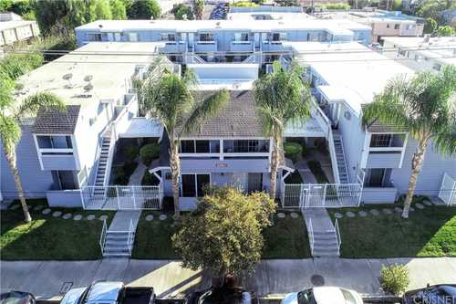 $335,000 - 2Br/2Ba -  for Sale in Canoga Park