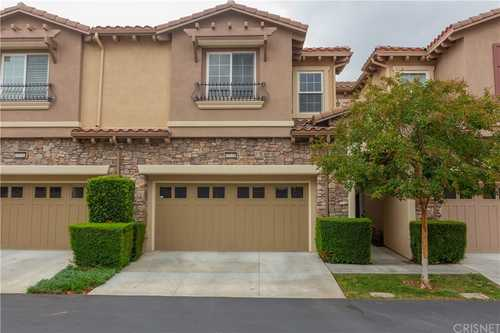 $824,000 - 3Br/4Ba -  for Sale in Chatsworth