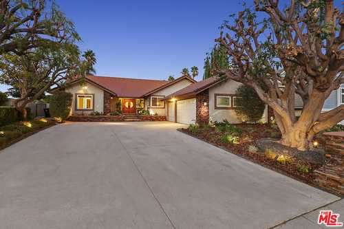 $1,450,000 - 4Br/4Ba -  for Sale in Granada Hills
