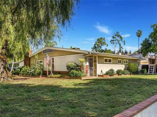 $1,250,000 - 3Br/2Ba -  for Sale in Woodland Hills