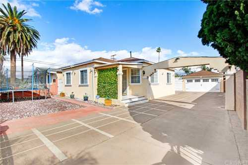 $899,000 - 3Br/2Ba -  for Sale in Valley Glen