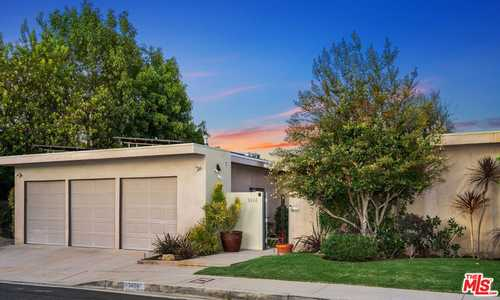 $2,399,000 - 5Br/4Ba -  for Sale in 22346, Encino