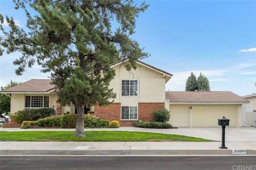$1,249,000 - 4Br/3Ba -  for Sale in Chatsworth