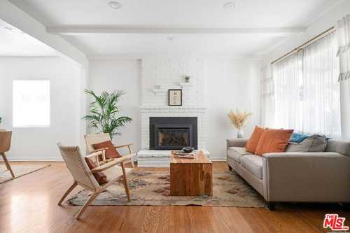 $975,000 - 2Br/2Ba -  for Sale in North Hollywood