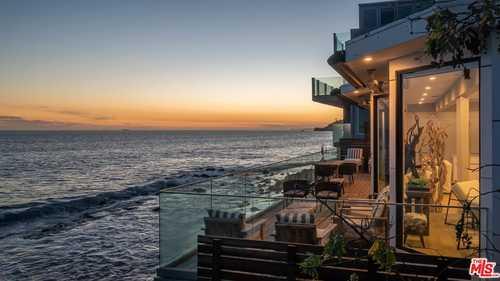 $6,500,000 - 4Br/4Ba -  for Sale in Malibu