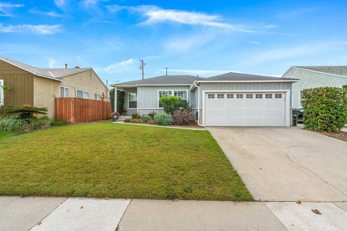 $749,000 - 2Br/2Ba -  for Sale in Lakewood Mutuals (lkmu), Lakewood